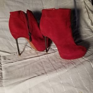 Aldo Stiletto Size 38 Red Booties